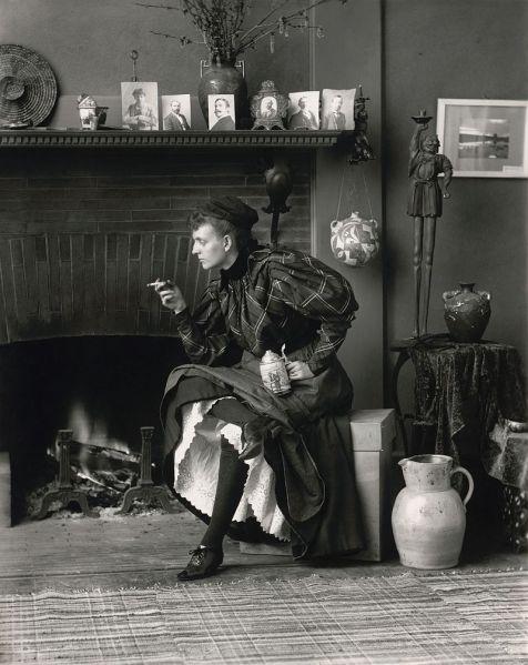 Frances_Benjamin_Johnston,_Self-Portrait_(as_'New_Woman'),_1896